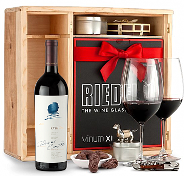 Discerning Wine Connoisseur Gift Set